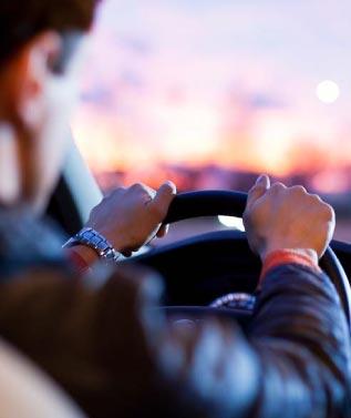 Auto con conducente